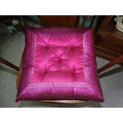 Cuscino sedia con bordi in broccato fucsia 38x38 cm