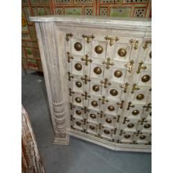 Devdasis statua di pietra